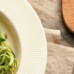 koolhydraatarme courgetti pesto